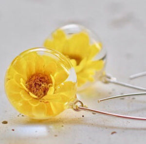 Resin sterling silver earings with long  hoop yellow flower