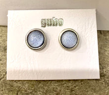 Load image into Gallery viewer, Gubo hand blown glass earrings silver/grey