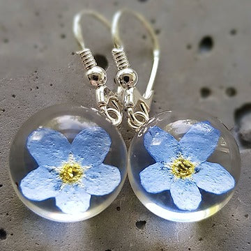 Resin sterling silver Forget me not flower earings with short  hoop