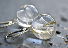 Load image into Gallery viewer, White resin gold plated earings with dandelions short hoop.