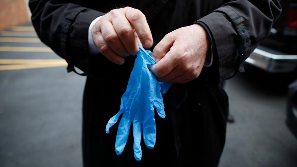 When to Wear Gloves