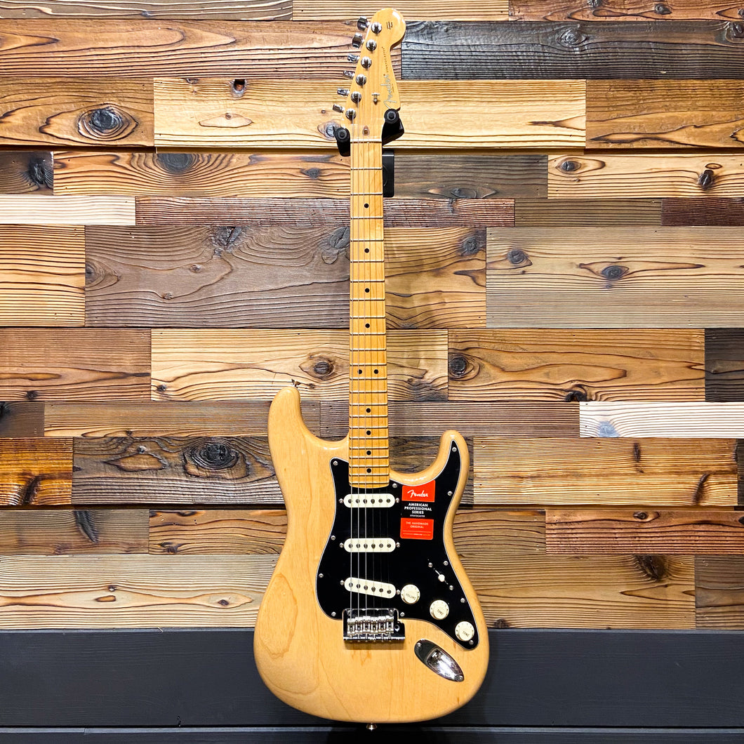 Fender 011-3012-721 2017 American Pro Strat MN Ash Body Electric Guitar, Natural