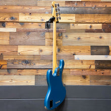 Load image into Gallery viewer, Fender 019-7001-708 2017 American Elite Jazz Bass, Ocean Turquoise