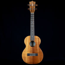 Load image into Gallery viewer, Kamaka HF3 2020 Koa Tenor Ukulele (#200228)