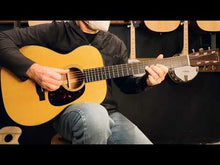 Load and play video in Gallery viewer, Martin 00-18 Grand Concert Acoustic Guitar (#2360468)
