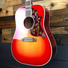 Load image into Gallery viewer, Gibson SSHBHCN19 Hummingbird, Vintage Cherry Sunburst