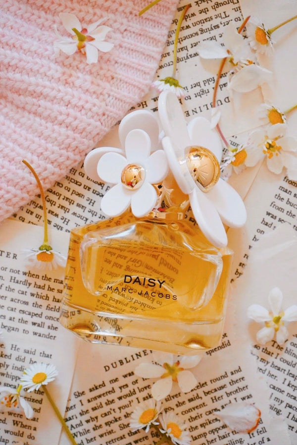 Daisy by Marc Jacobs Eau De Toilette Spray for Women