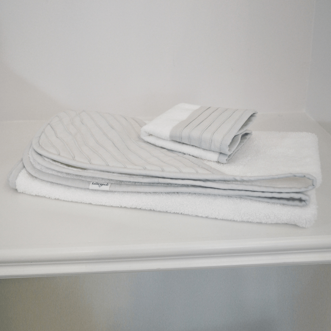 Organic Hooded Towel and Washcloth Set - Pintuck Gray - Project Nursery