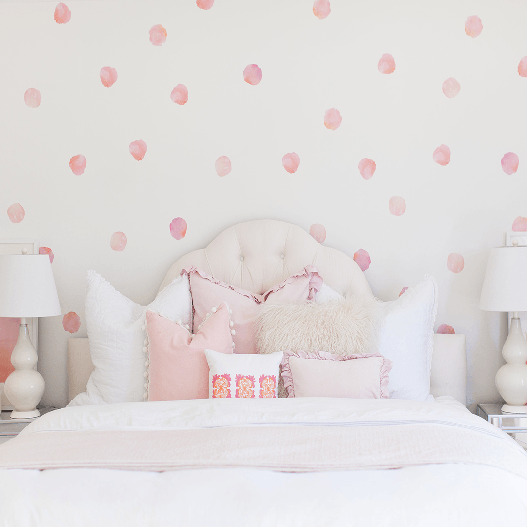 Charmant Watercolor Polka Dots Wall Decals