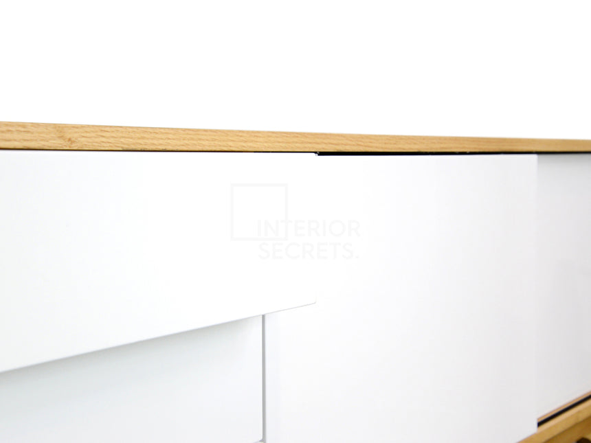 CDT346-BB Scandinavian Buffet Unit - Natural