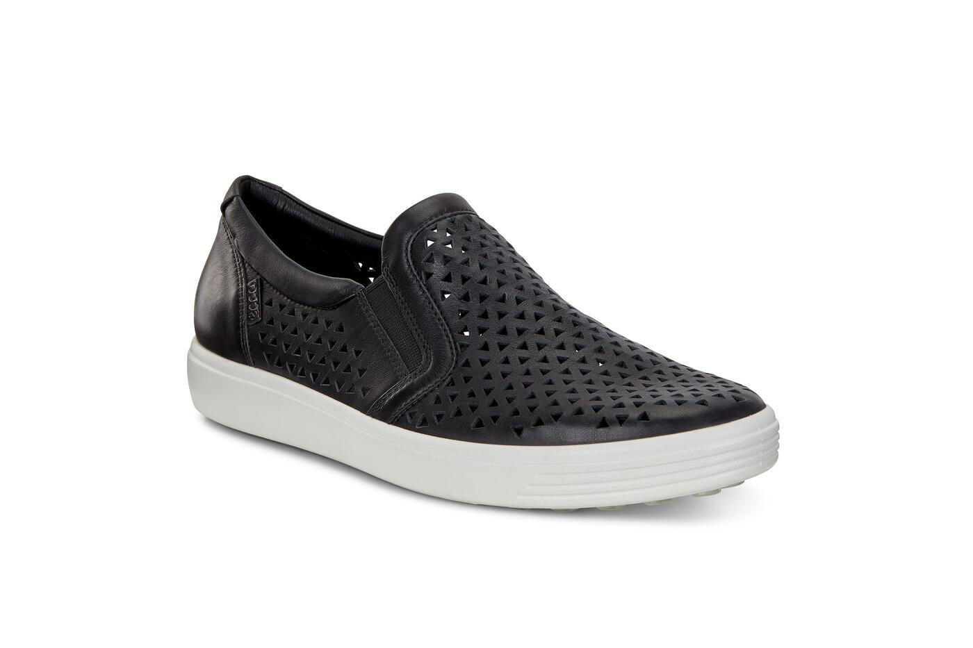 WOMEN'S SOFT 7 W SLIP-ON - KARAVEL SHOES