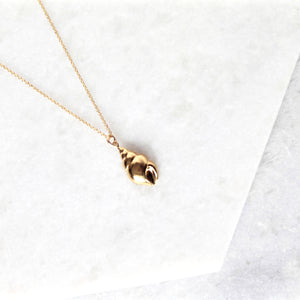 Caracol Shell Necklace