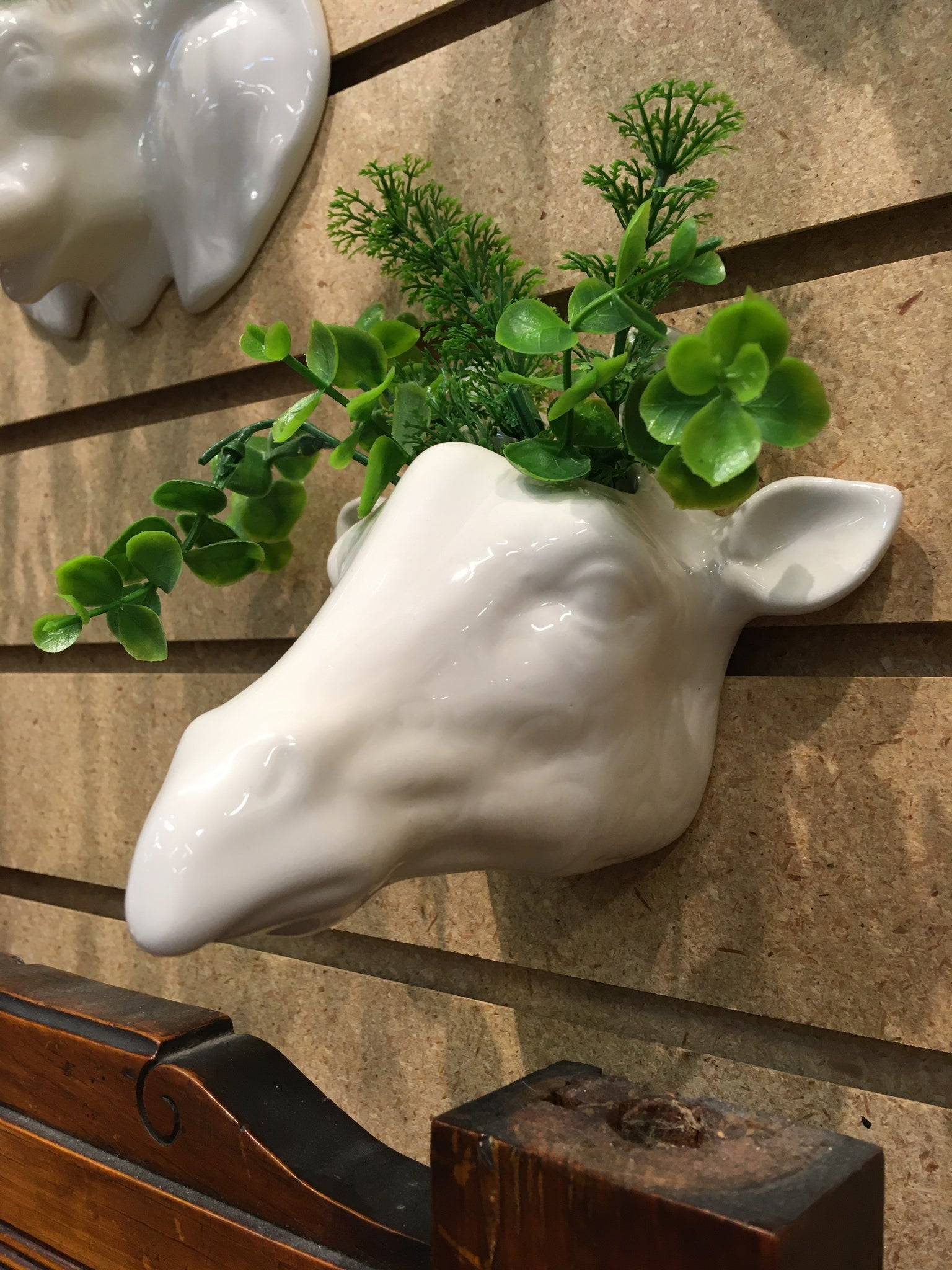 CERAMIC GIRAFFE WALL PLANTER