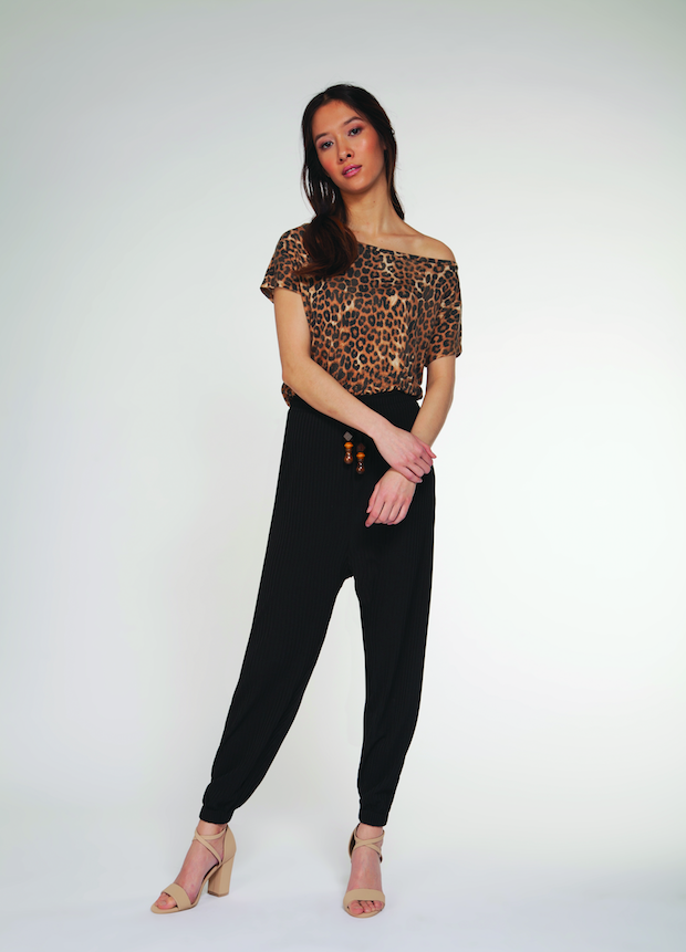 SHORT-SLEEVED WIDE NECK T-SHIRT - DARK LEOPARD