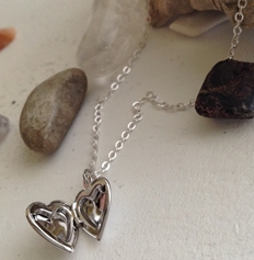 TOTAL ECLIPSE OF THE HEART NECKLACE - SILVER