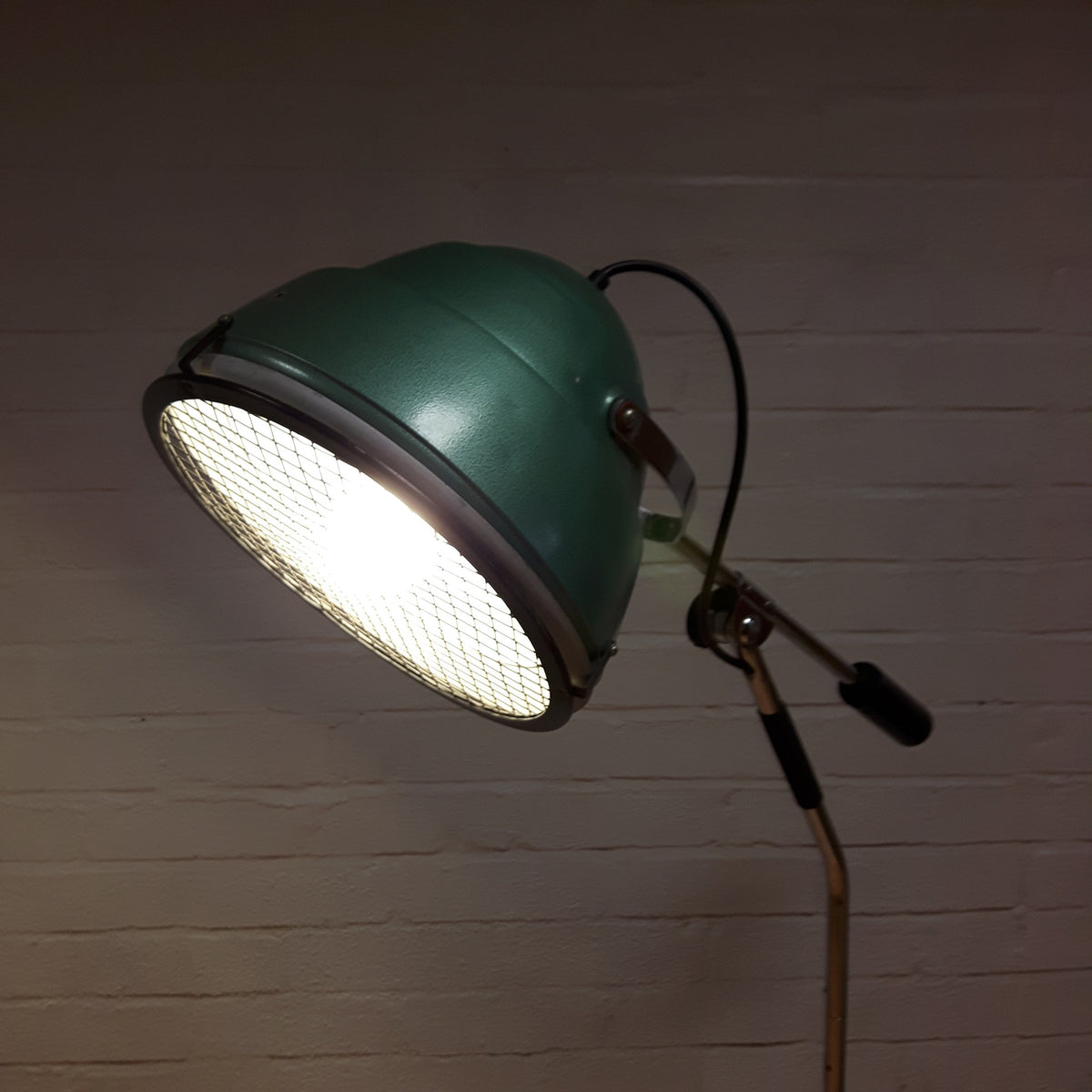 Industrial Counterbalanced Lamp
