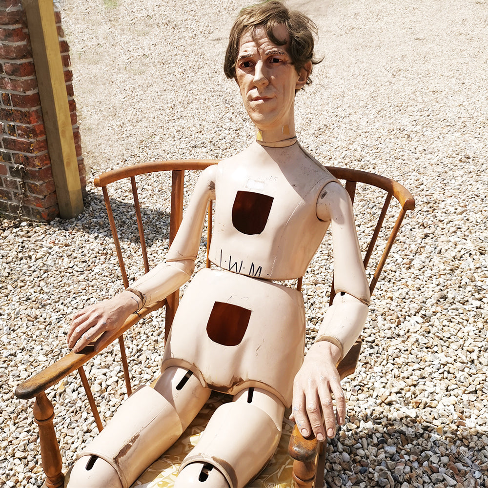 Articulated Mannequin No 2