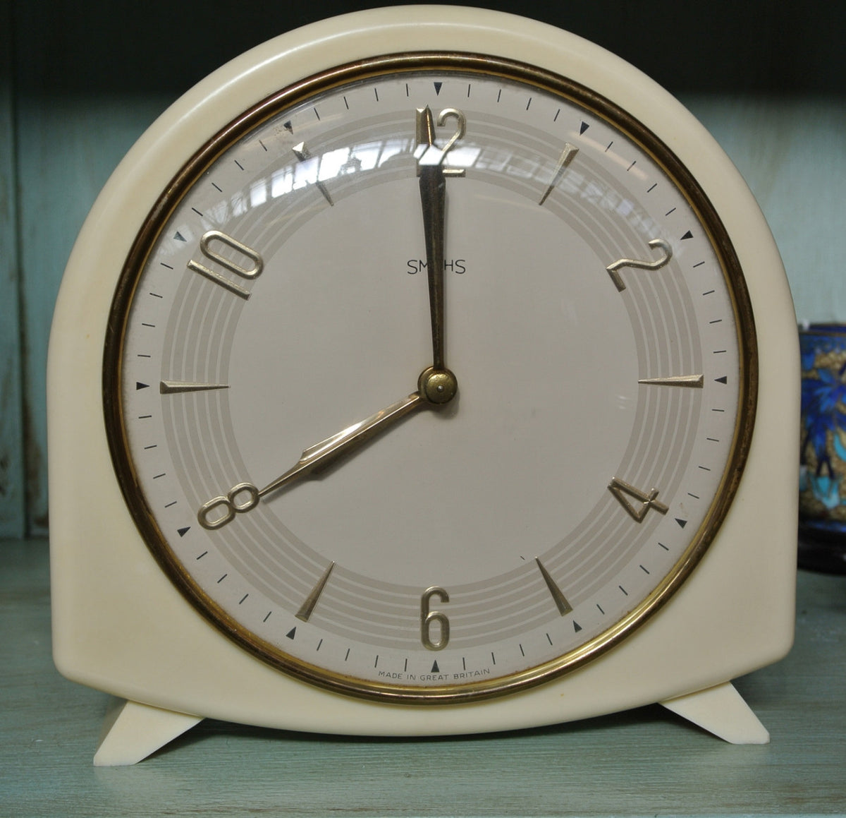 Cream Bakelite clock
