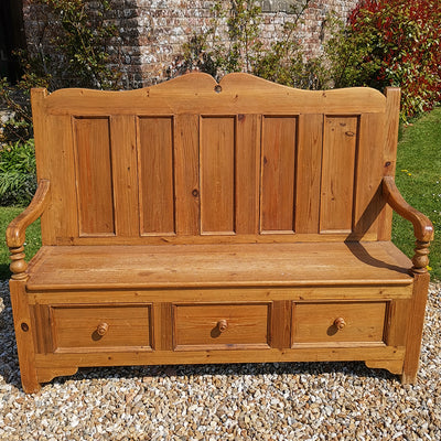 Pew Style Pine Settle