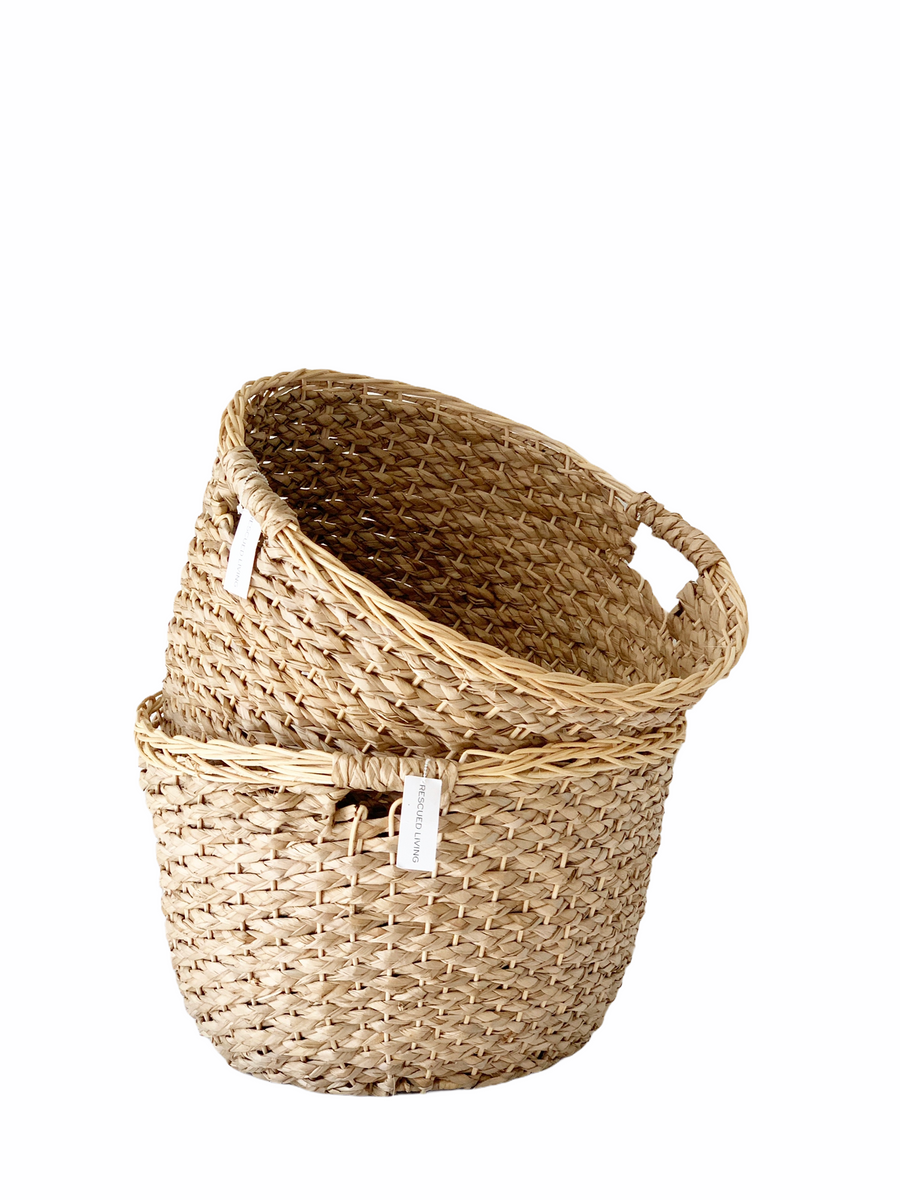 Lightweight wicker basket