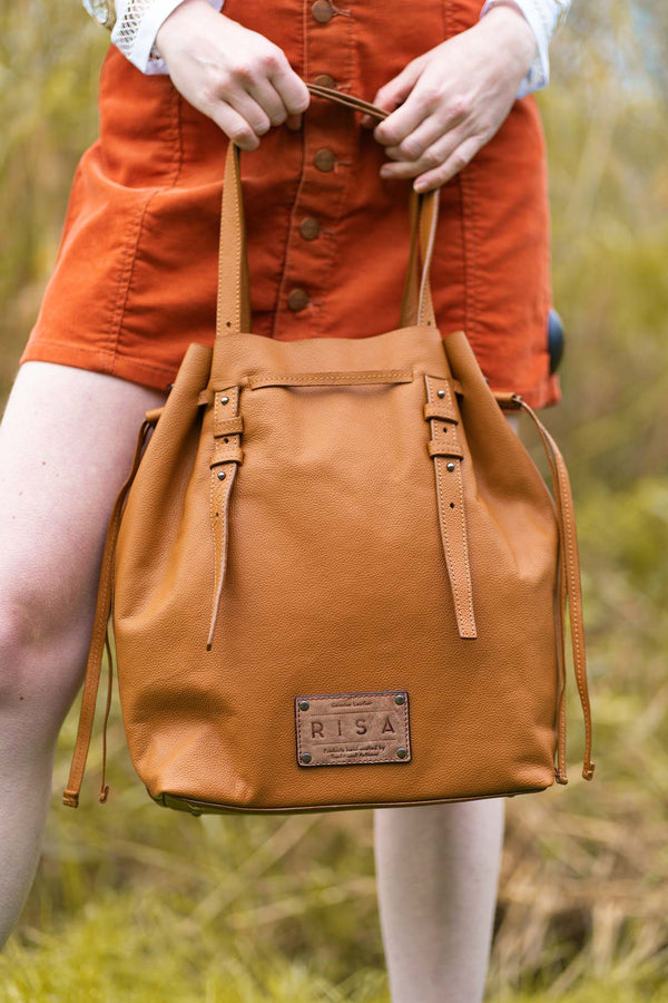 Victoria Leather Bucket Crossbody (Tan)