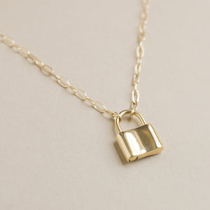 Holmes Necklace