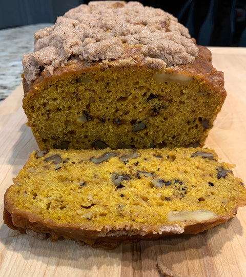 Pumpkin Apple Bread Perfect For Your Thanksgiving Feast!