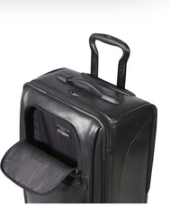 Tumi - Alpha International Carry-On Leather - Shark Tank Taiwan