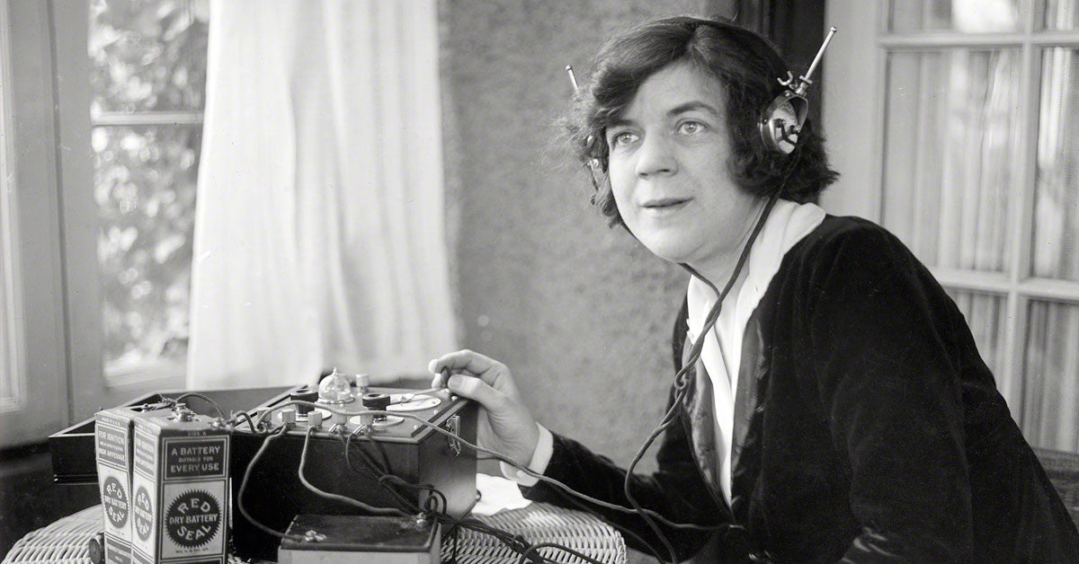 Technology in the 1920's - Lovefone, London