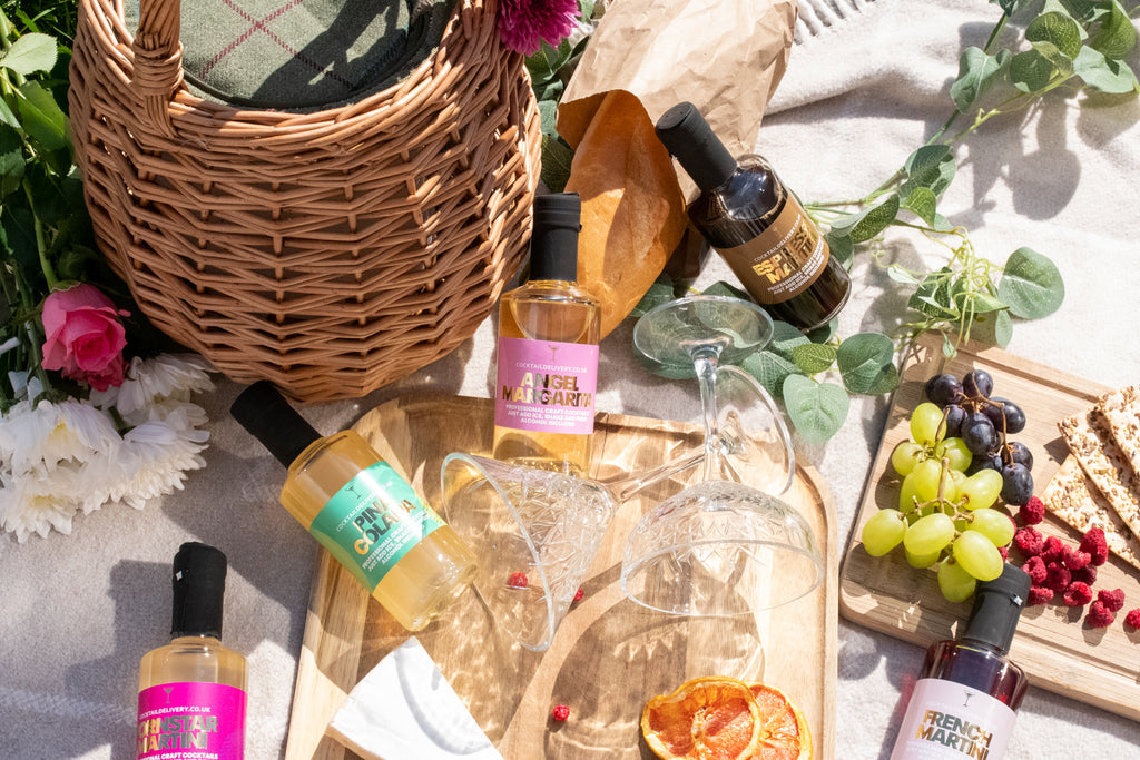 Honey Pot Cocktail Picnic Hamper