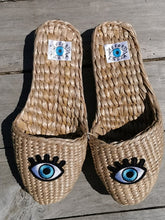 Load image into Gallery viewer, Straw Slippers blue eyes