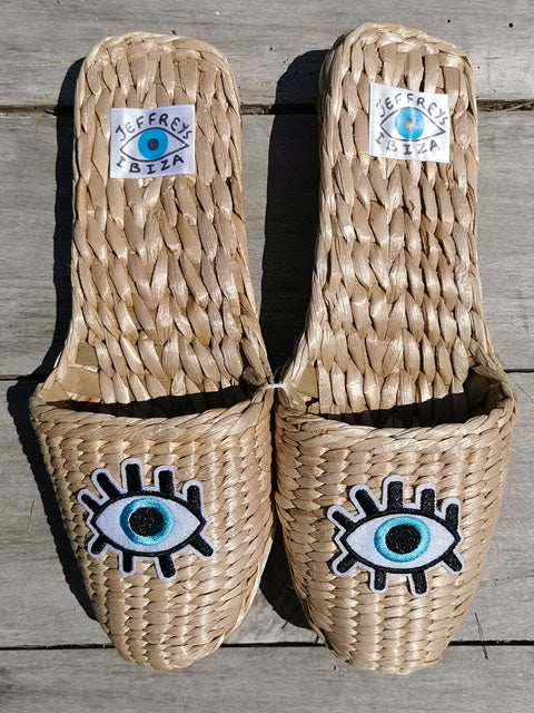 Straw Slippers Eye eye baby