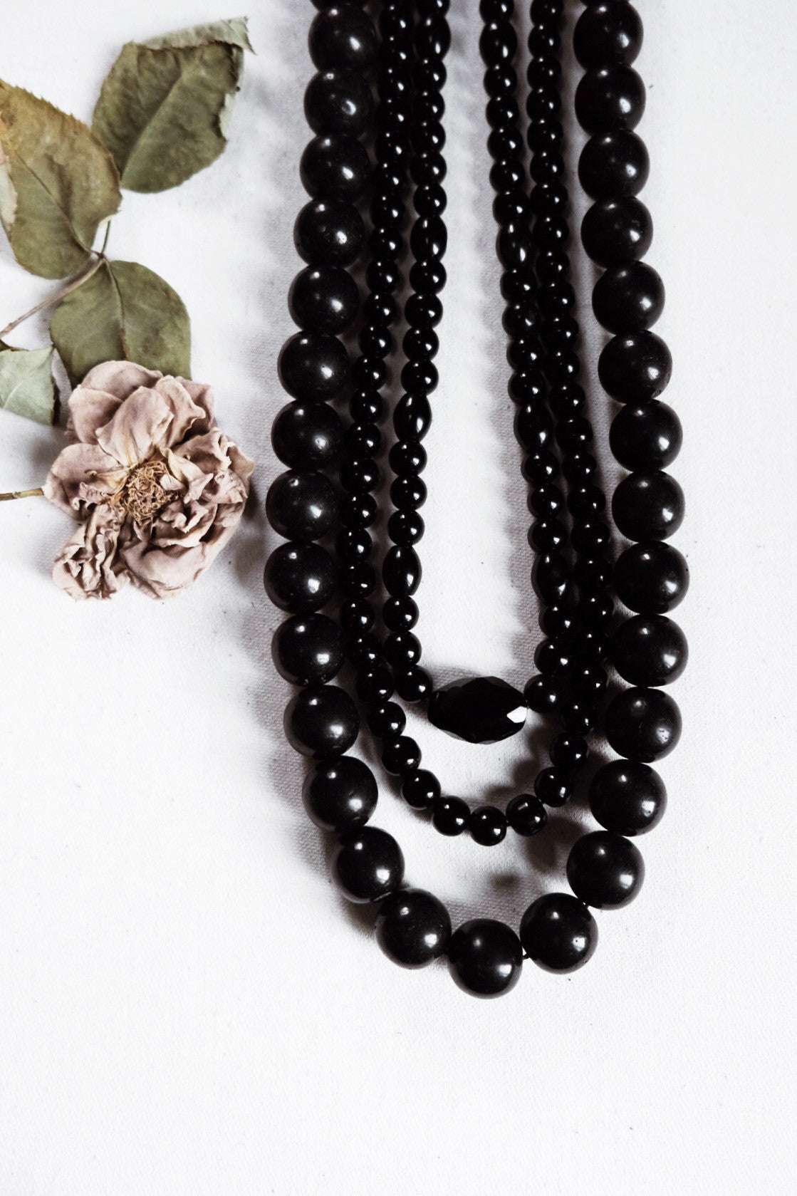 Night ritual i. - Onyx faceted stone beaded necklace