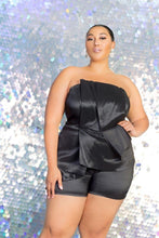 Load image into Gallery viewer, Plus Size Strapless Peplum Romper