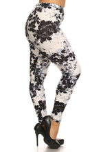 Load image into Gallery viewer, Super Soft Peach Skin Fabric, Floral Graphic Printed Knit Legging
