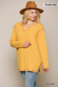 Two-tone Ribbed Tunic Top With Side Slits