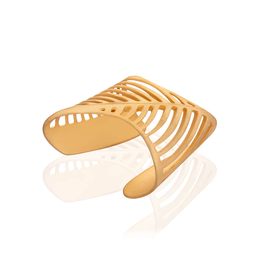 SHARCH CUT OUT BANGLE GOLD