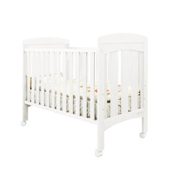 VINA BABY COT  WHITE (MATTRESS SEPERATE)