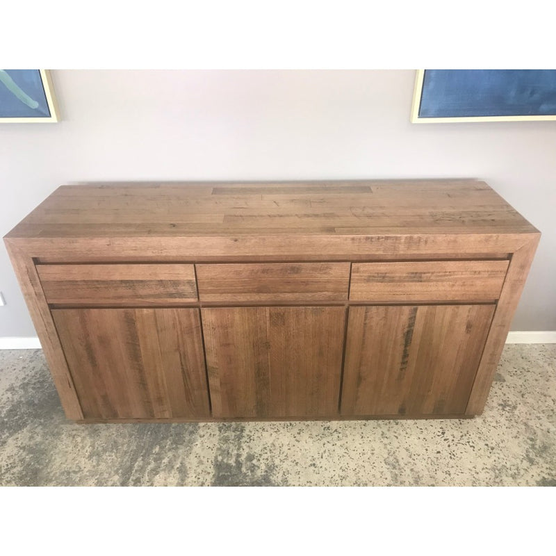 Urban 3 drawer/ 3 Door Buffet Tasmanian Oak