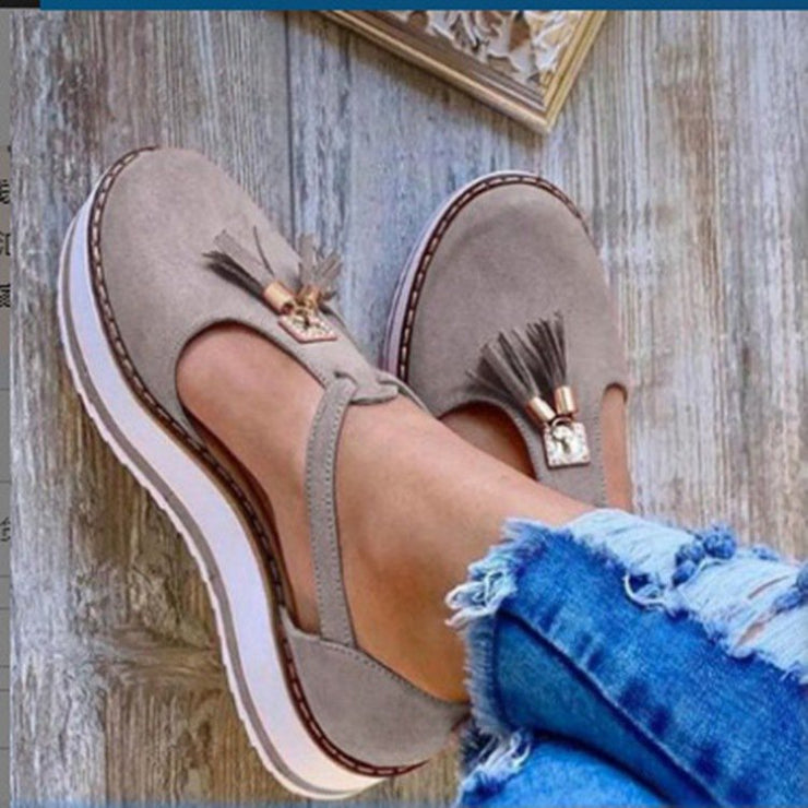 Women's shower shoes with round head and flat heels