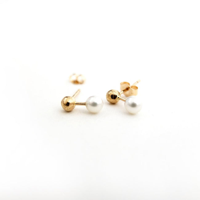 GOLD BAR + FRESH WATER PEARL STUDS