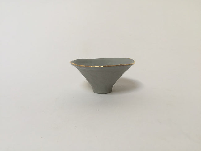ISABEL HALLEY PINCH POT