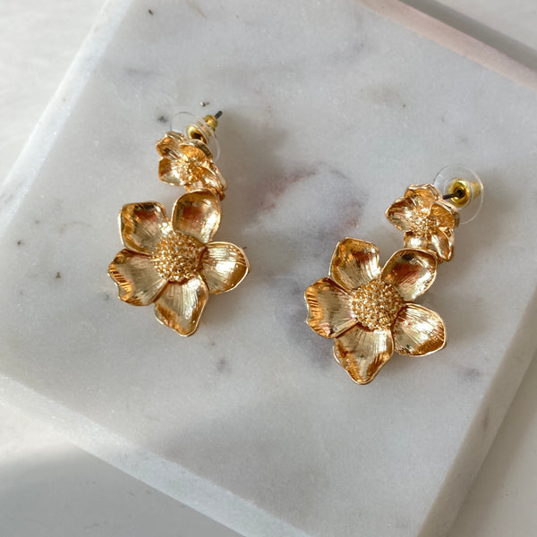 GOLDEN FLOWER EARRINGS