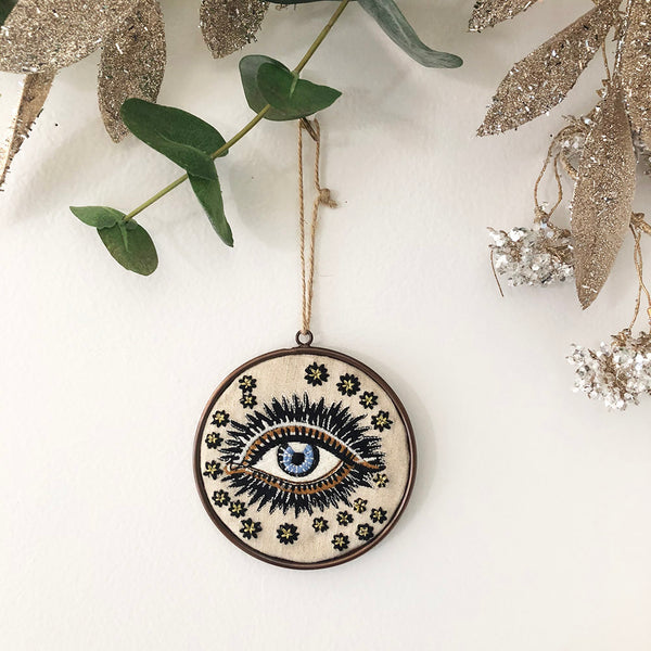 LUCKY EYE DISC ORNAMENT