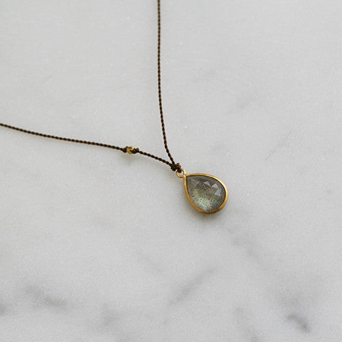 PEAR SHAPED LABRADORITE BEZEL NECKLACE