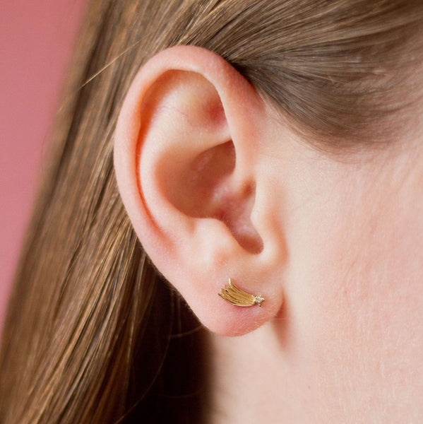 SIMPLE SHOOTING STAR EARRING