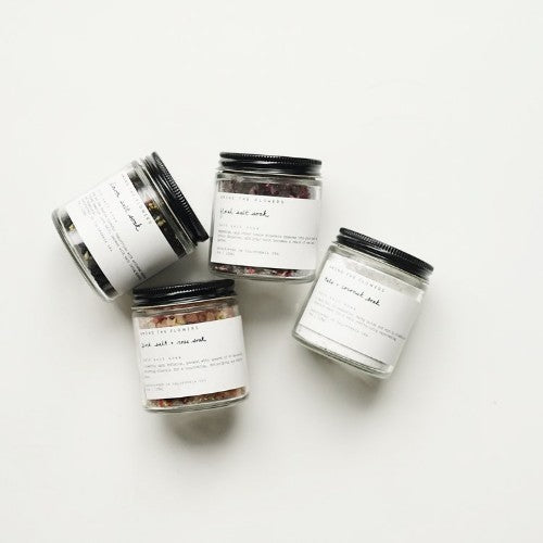 BOTANICAL SALT SOAKS