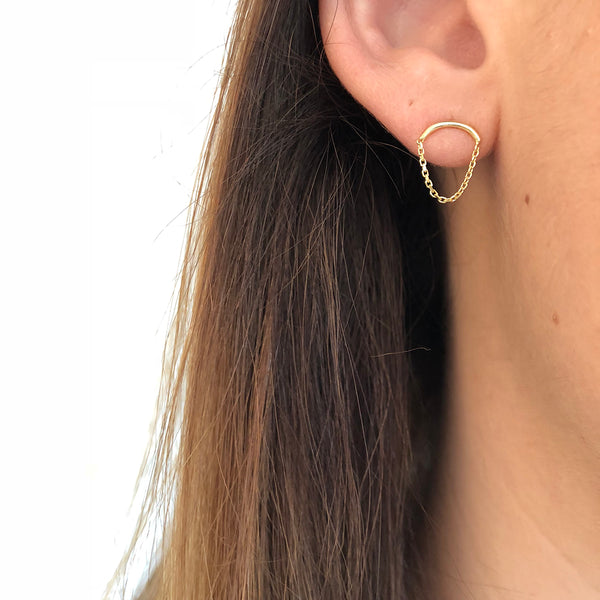 CURVED WIRE WITH DRAPE CHAIN EARRINGS