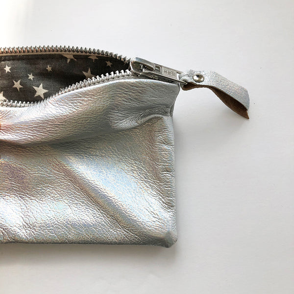 FLAT LEATHER ZIP POUCH