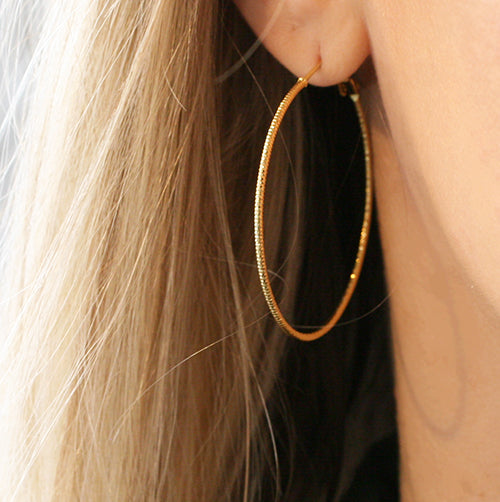 SMALL GLIMMER HOOPS